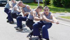 Открытые соревнования по перетягиванию каната среди жителей Василеостровского района